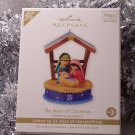 2010 Hallmark The Christmas Story Advent Countdown Calendar Ornament Magic Light Sound