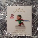 2010 Hallmark Linus on Ice The Peanuts Gang Magnetic Ornament Series #3