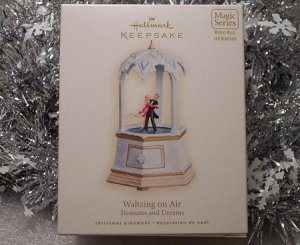 2007 Hallmark Waltzing on Air Treasures and Dreams # 6 in Series Magic Music & Movement Ornament