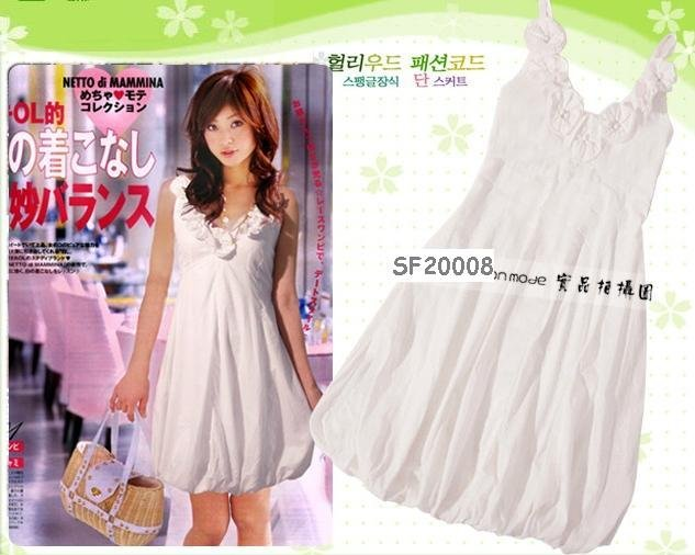 eBeauty*20008 - White Korean Pretty Strapless Puffy Dress (with little blossoms décor on top)