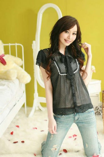 NEW ARRIVAL eBeauty*338678 Black Dotted sweet Korean Blouse (2pc - white inner wear included)