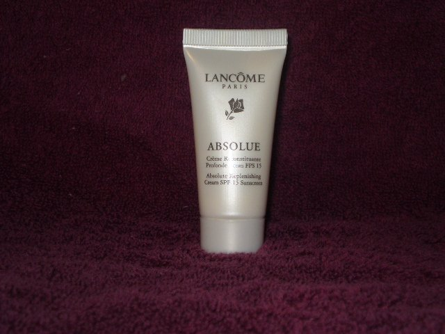 Lancome Absolue Replenishing Creme SPF 15  6th Tube FREE!!