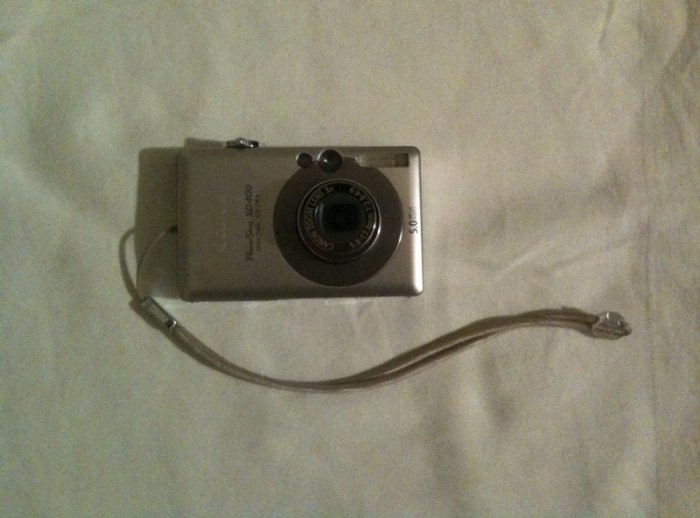 Canon Powershot SD400 5MP Digital Elph Camera with 3x Optical Zoom
