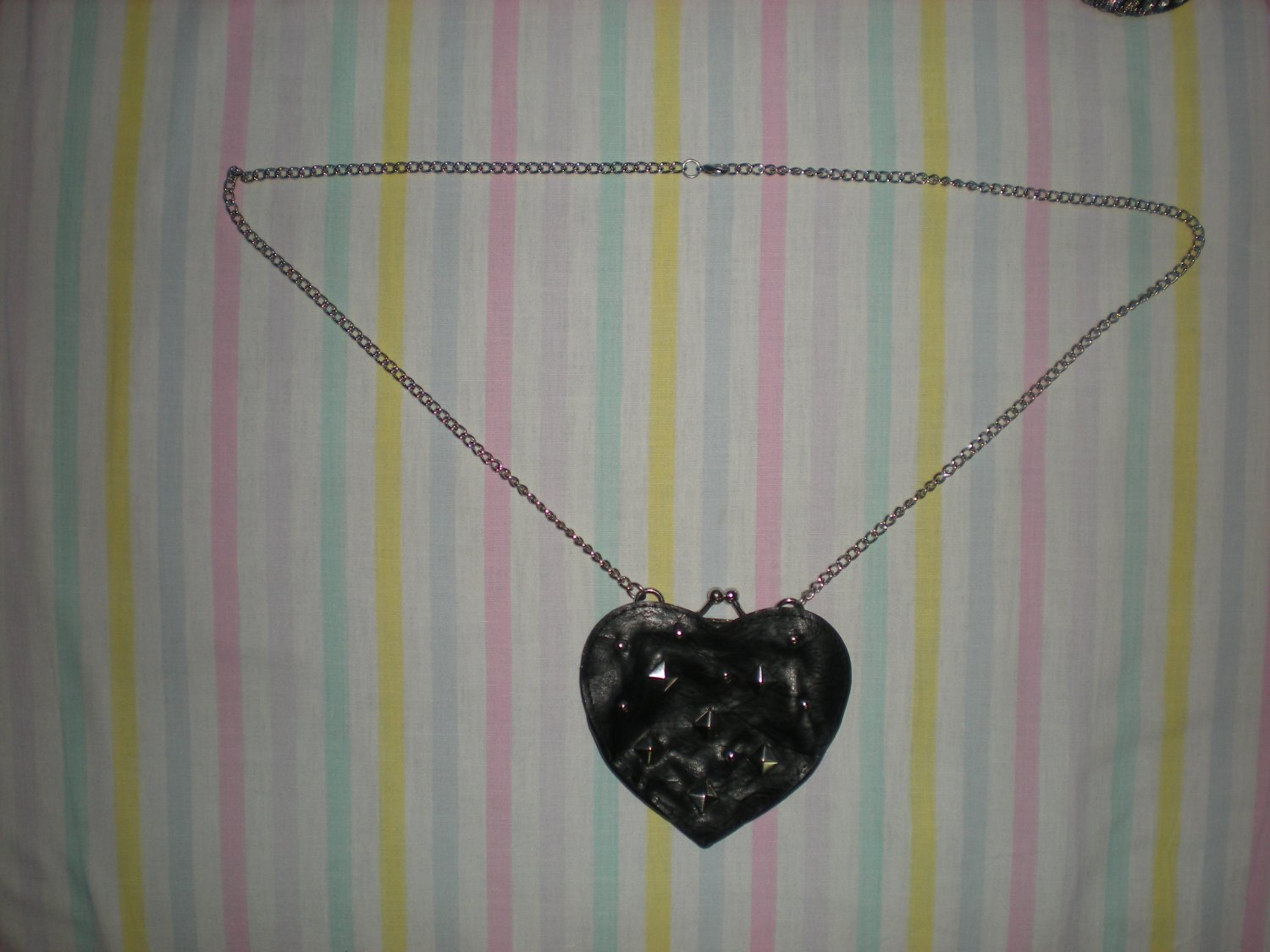 Brand New Fashion Petite Purse With Chain Lady Party Jewelry