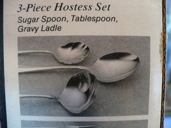 Oneida Falkirk 3 Pc Hostess Set, Spoons & Ladle