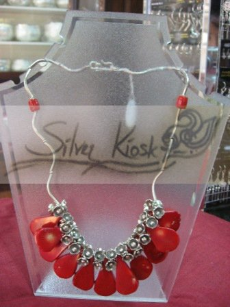 N023 necklace decorate with red stone.