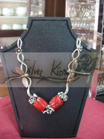 N028 Necklace with silver dragonfly&silver little flowers+red bead