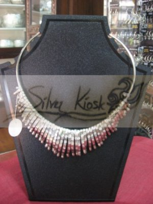N029 necklace with long silver bead 1/2