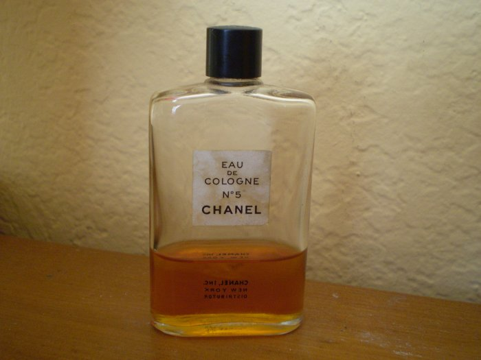 VINTAGE PERFUME BOTTLE EAU DE COLOGNE CHANEL No 5 1.5oz