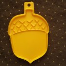 VINTAGE 1975 HALLMARK COOKIE CUTTER ACORN FALL THANKSGIVING