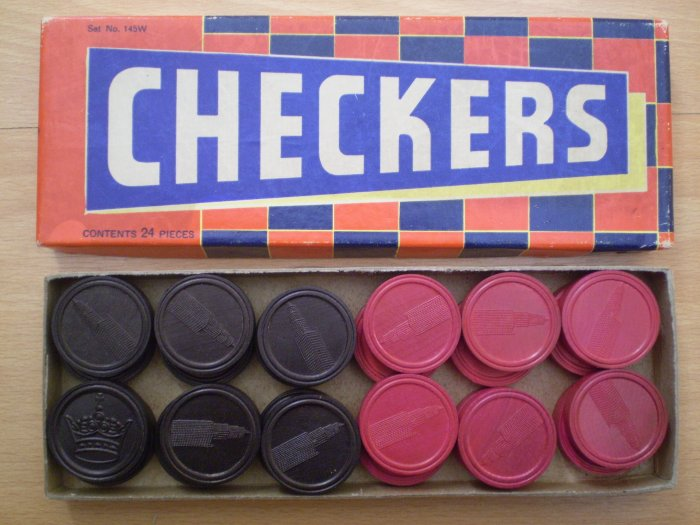 VINTAGE HALSAM CHECKERS 24 pieces 145 W 145W Empire State Building in box