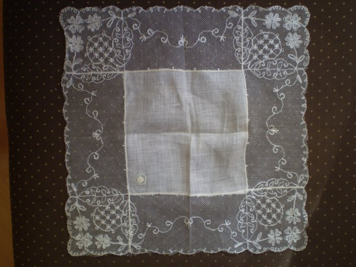 VINTAGE IRISH LINEN HANDKERCHIEF Lot 2 LACE HANKIE