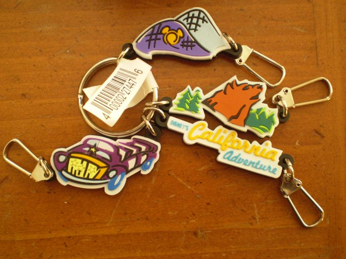 DISNEY CALIFORNIA ADVENTURE KEY CHAIN 4 charms BEAR MOUNTAIN CAR PARK
