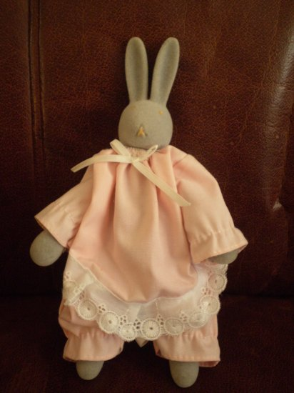 "DEPT 56 GREY BUNNY O'HARE PINK RABBIT EASTER 8"" POSEABLE"