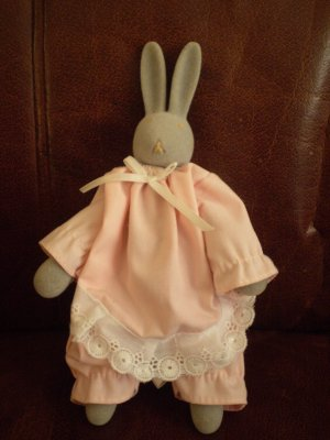 DEPT 56 GREY BUNNY O&#039;HARE PINK RABBIT EASTER 8&quot; POSEABLE