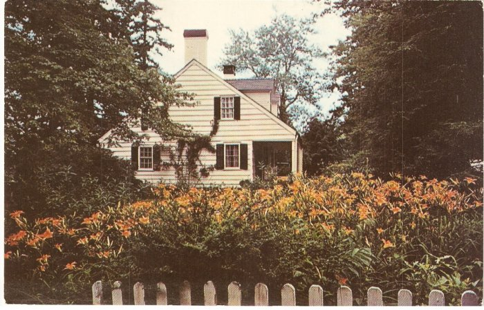 Wayside Cottage, Scarsdale, New York vintage postcard