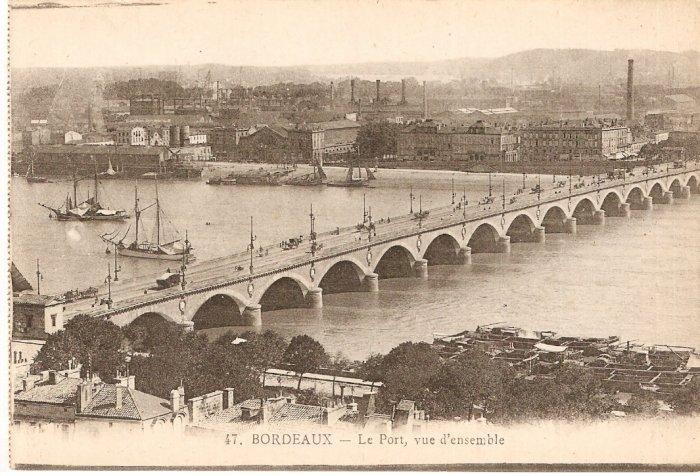France Bordeaux Le Port vue d'ensemble b&w postcard