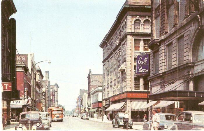 Walnut Street Muncie Indiana vintage postcard