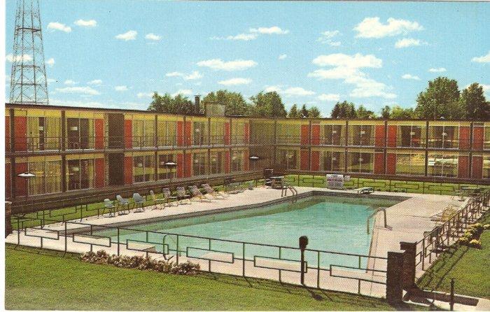 Holiday Inn Muncie Indiana vintage postcard