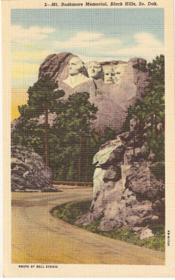 Mt Rushmore Memorial Black Hills South Dakota vintage postcard
