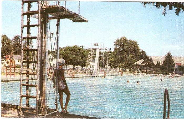 Tuhey Park Swimming Pool Muncie Indiana vintage postcard