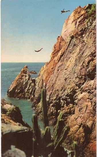 Campeones Clavadistas La Quebrada Acapulco Mexico postcard diver