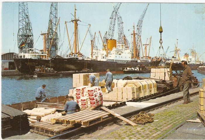 Amsterdam Holland Netherlands Harbor Harbour Pier vintage postcard