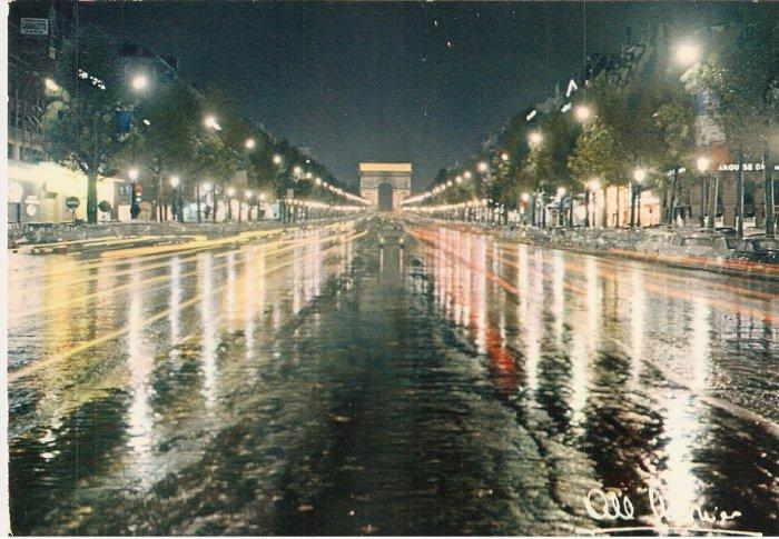 Paris France Les Champs Elysees i'Arc de Triomphe vintage postcard