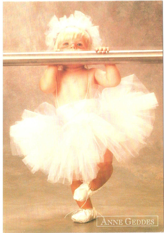 Anne Geddes Postcard 1995 605-039 Baby Girl Ballerina Tutu Bar 4x6