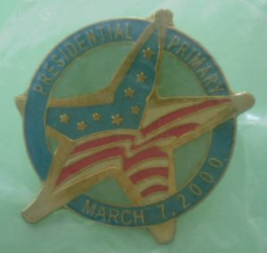 Presidential Primary Election Pin 2000 Enamel Goldtone Metal