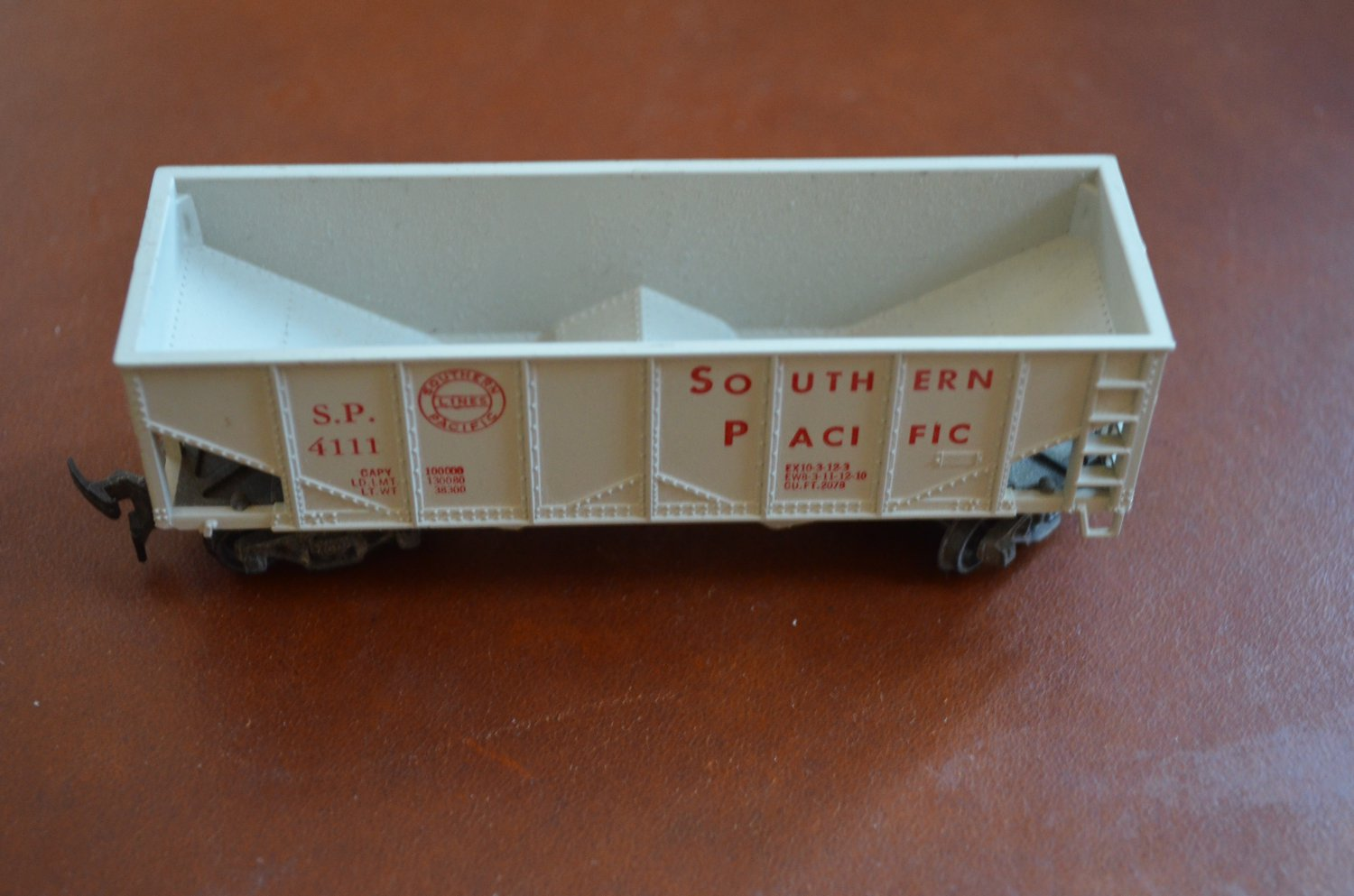 Revell 1956 Southern Pacific 4111 Gray Train Car
