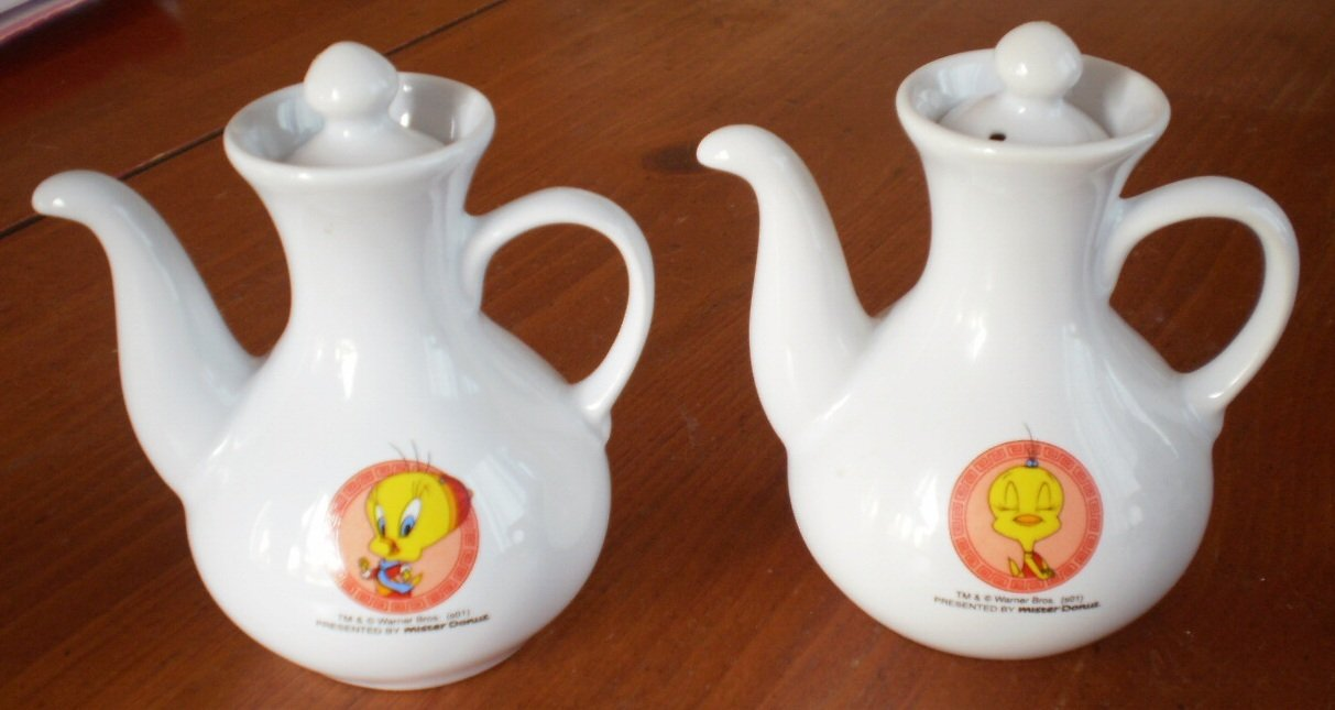 Mister Donut Sauce Servers Pourer Tweety Bird Lot 2 Mr Warner Bros White Cruet