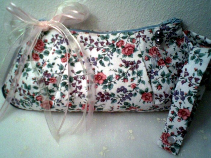 English Country Garden Wristlet Clutch Purse