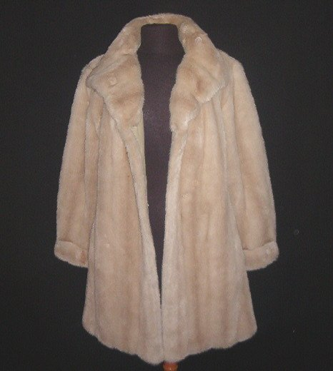 Blonde 50's Faux Fur