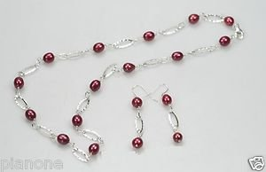 Sterling Silver Hammered Link Wine Red Cultured Pearl Necklace and Earrings Set