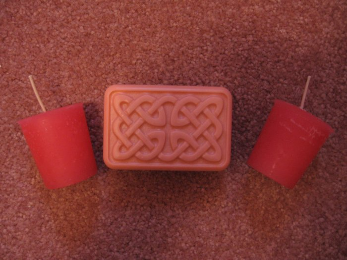 SET~Handmade VANILLA SCENTED 2 Votive CANDLES & 4oz CELTIC Hemp Oil SOAP