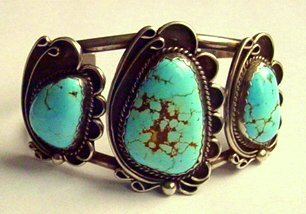 1930s NAVAJO NATIVE AMERICAN ORNATE HEAVY BRACELET TURQUOISE STERLING JEWELRY