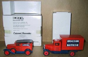 Lionel Eastwood 211700 Two Car Set Delivery Truck Die Cast Ertl 1:43 GM Chevrolet New OB