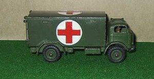 Dinky Toys 626 Military Ambulance 1:43 Army Meccano England