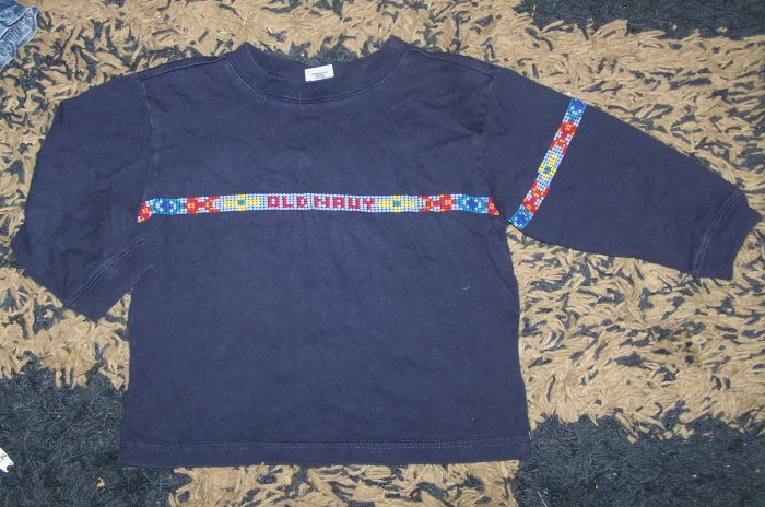 EUC boys 2T long sleeved Old Navy logo shirt