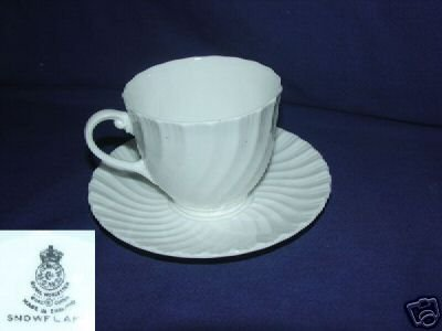 Royal Worcester England Snowflake 4 Cup and Saucer Sets