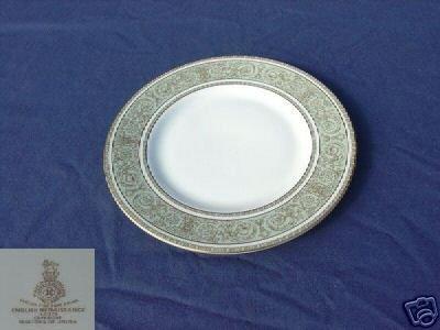 Royal Doulton English Renaissance 4 Salad Plates MINT