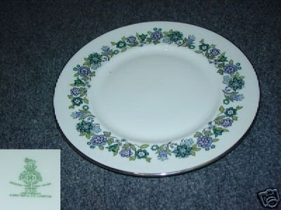 Royal Doulton Espirit 1 Dinner Plate - MINT