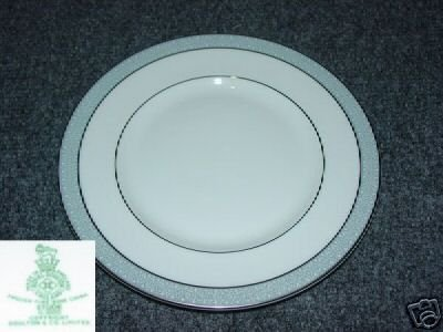 Royal Doulton Etude 5 Salad Plates - MINT