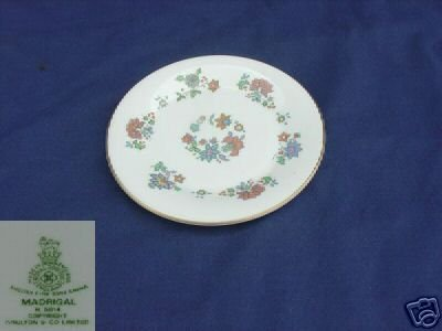 Royal Doulton Madrigal 5 Bread and Butter Plates - MINT