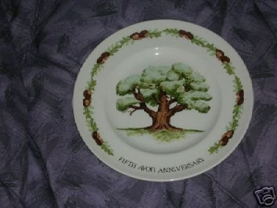 "Avon Wedgwood ""The Great Oak"" 5th Anniversary Plate"