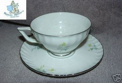 Royal Tettau Laguna 4 Cup and Saucer Sets