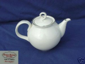 Theodore Haviland NY Davenport Tea Pot with Lid - MINT