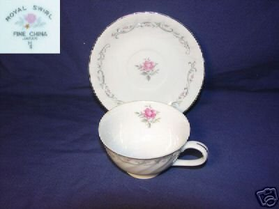 Fine China of Japan Royal Swirl 4 Cup and Saucer Sets