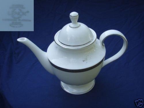 Lenox Landmark Platinum 1 Teapot ( Tea Pot ) with Lid